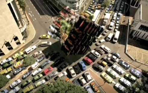 罗汉模仿汽车视频素材
