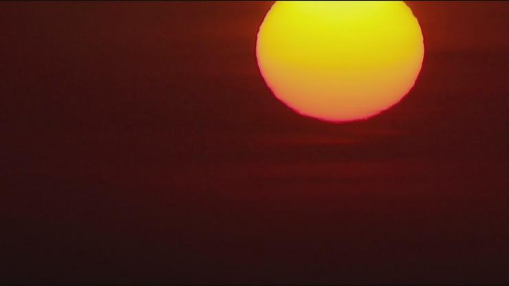 太阳从东方升起