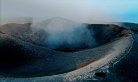 企业宣传片火山喷发视频素材