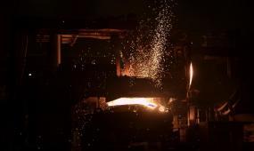 钢铁冶炼生产视频素材